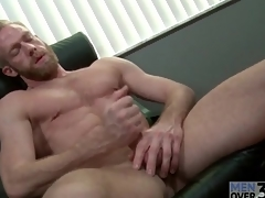 Bearded guy with insanely glum abs jerks off