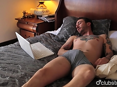 Tattooed Straight Guy Dave Masturbating