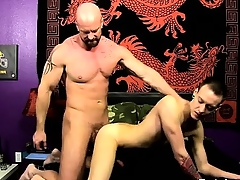 Gay movie He glides his man-meat into Chris\' grasping hole, pou